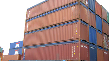 Containers from Italy to Dubai